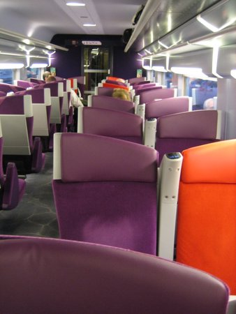 Railways high speed railway networks around the world for Interieur tgv